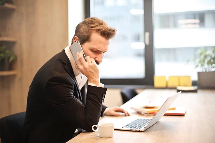 wirtualni doradcy i wirtualni sprzedawcy